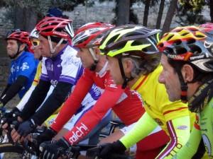 Es admirable ver competir a los máster 60  foto: qué grande ser ciclista