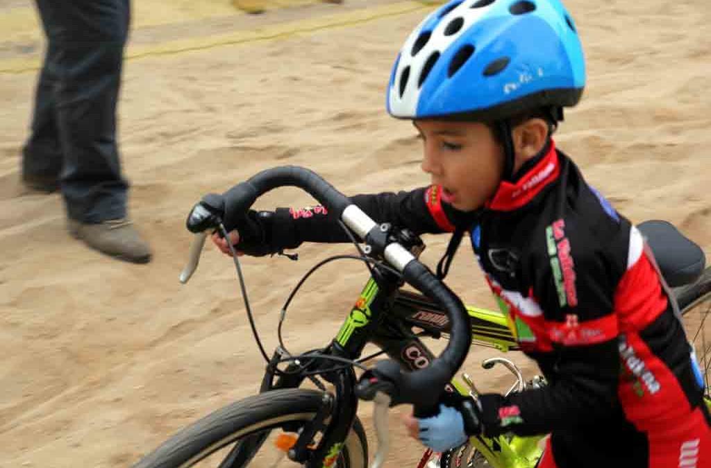 Practicar ciclocross: clave en la formación del ciclista