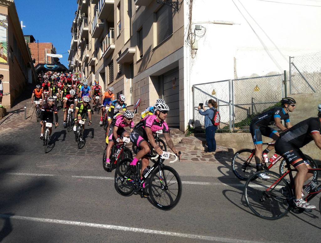estampas cicloturistas: la salida Marcha 4 puertos Serra Tot Natura Foto: qué grande ser ciclista