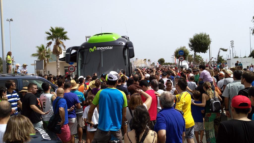 Vuelta a España Un mayor espacio para los autobuses beneficiaria al aficionado. foto: qué grande ser ciclista
