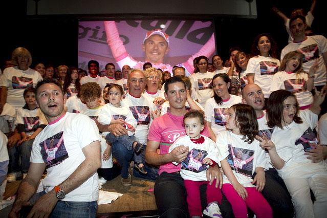 Vuelta a España Los grupos de fans podrían ser la clave para un buen espectáculo